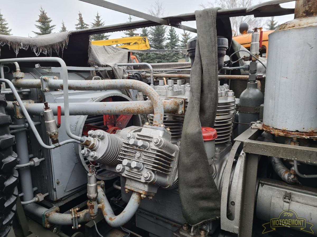 Sprężarka powietrza UKS-400W na samochodzie ZIŁ 157